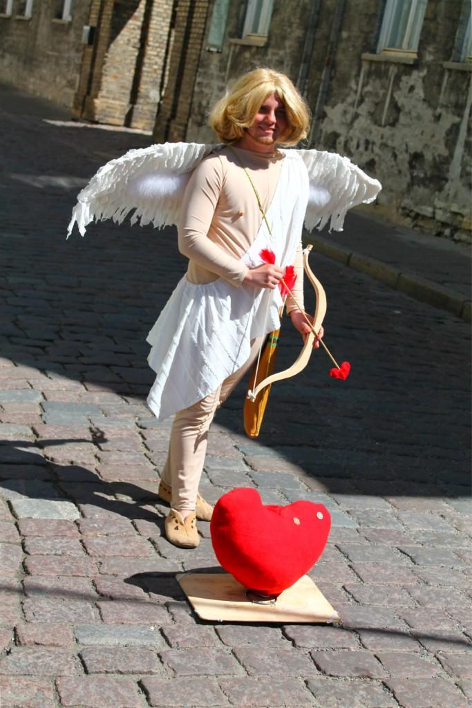 cupid bow arrow estonia