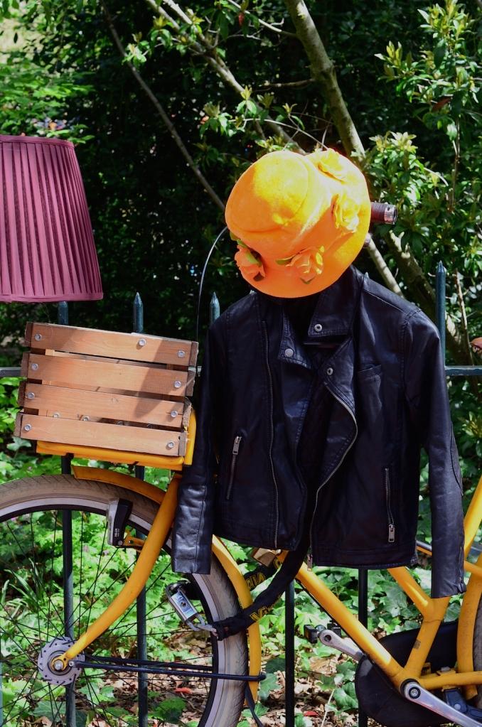 orange outfits kingsday