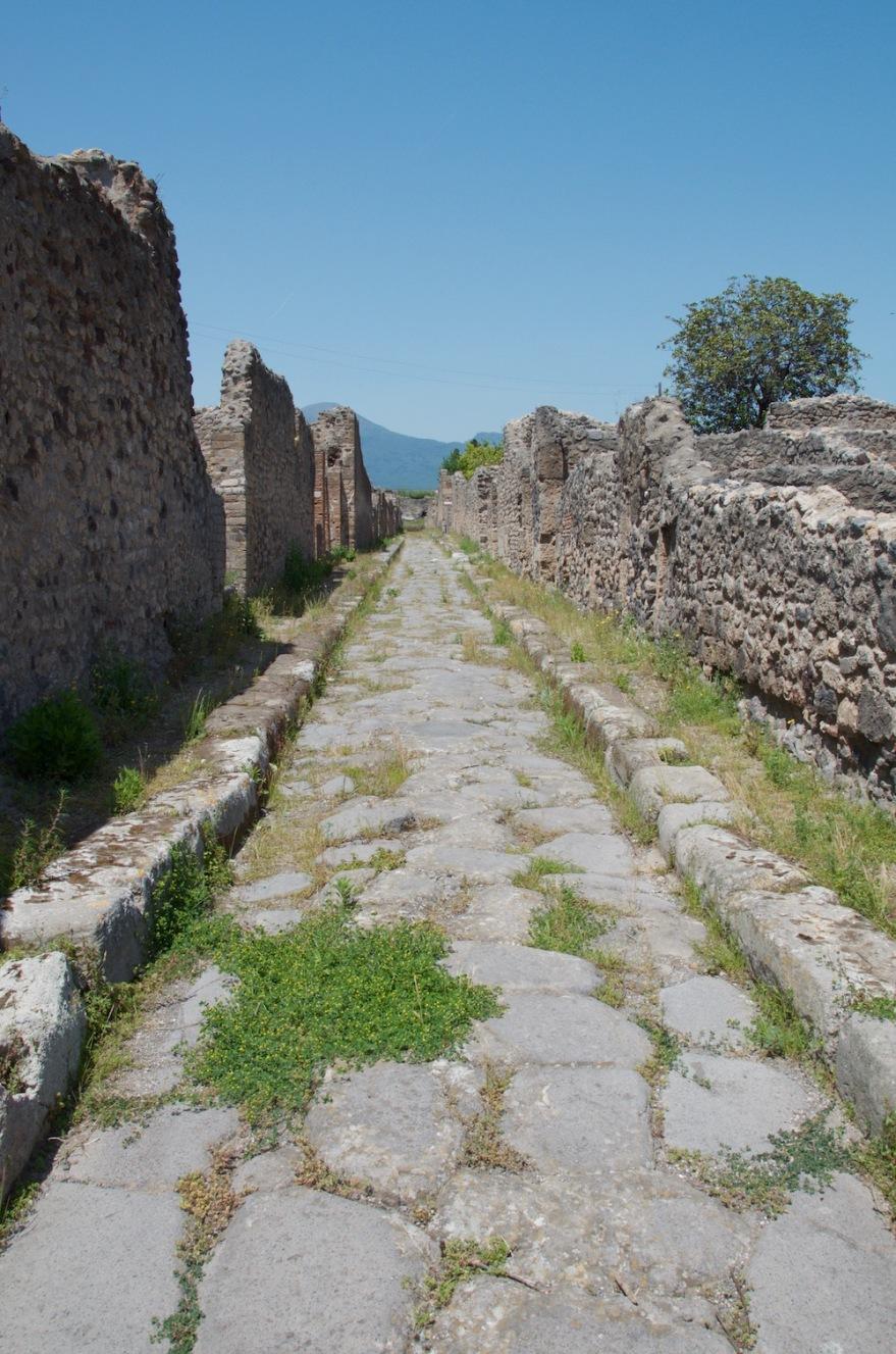 road to vesuvio