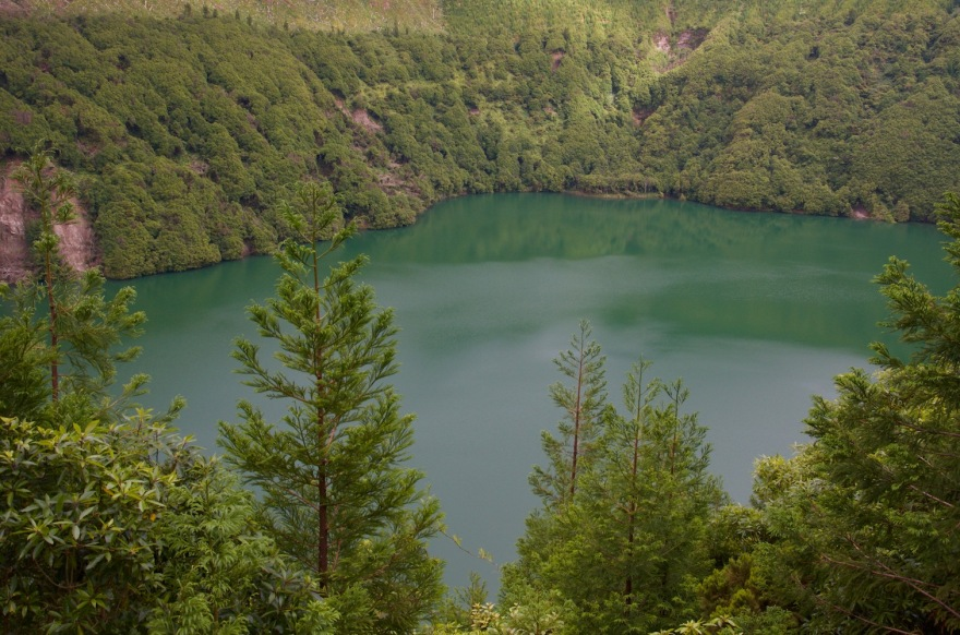azores-lake